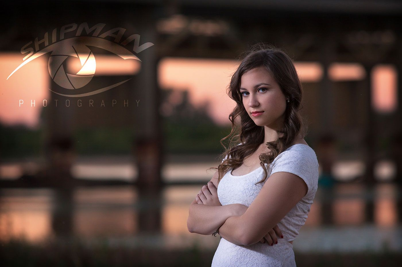 senior portrait session on the banks of the arkansas river