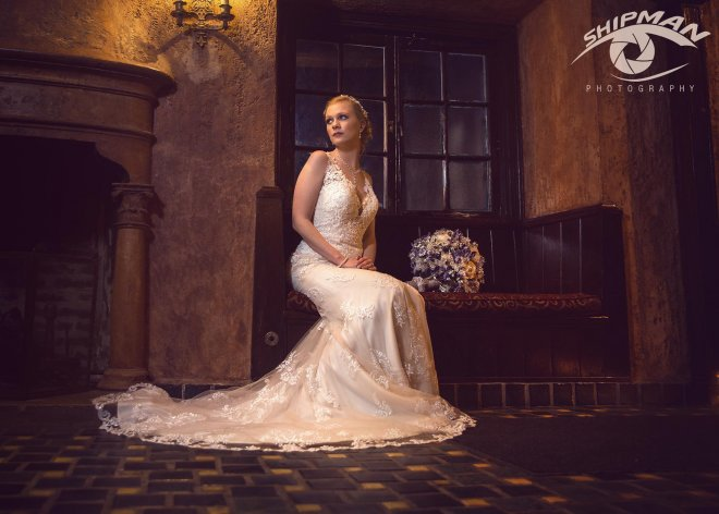 Tulsa bridal portrait at dresser mansion